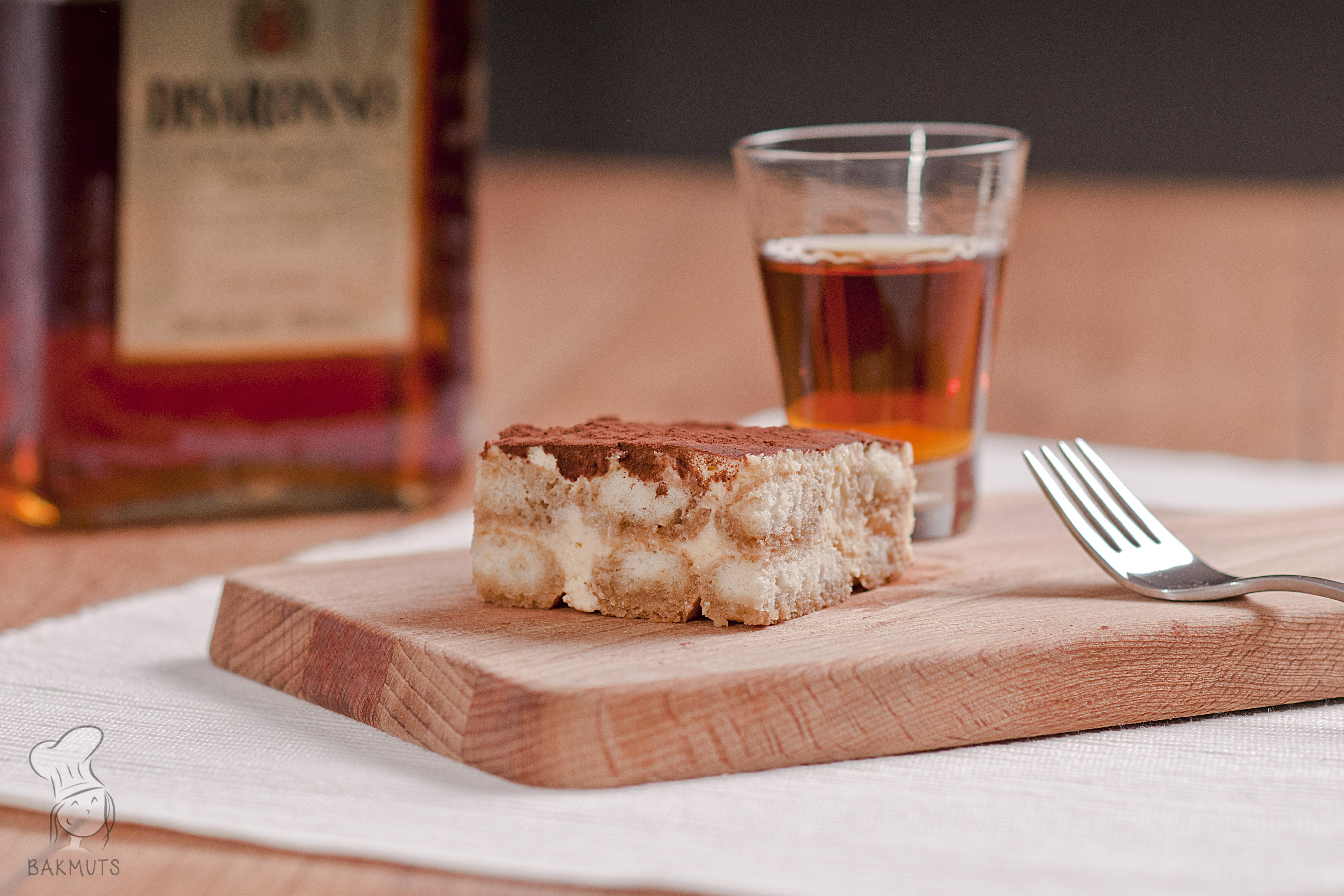 Tiramisu met espresso amaretto en lange vingers recept bakmuts