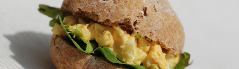 Zelfgemaakte eiersalade recept bakmuts