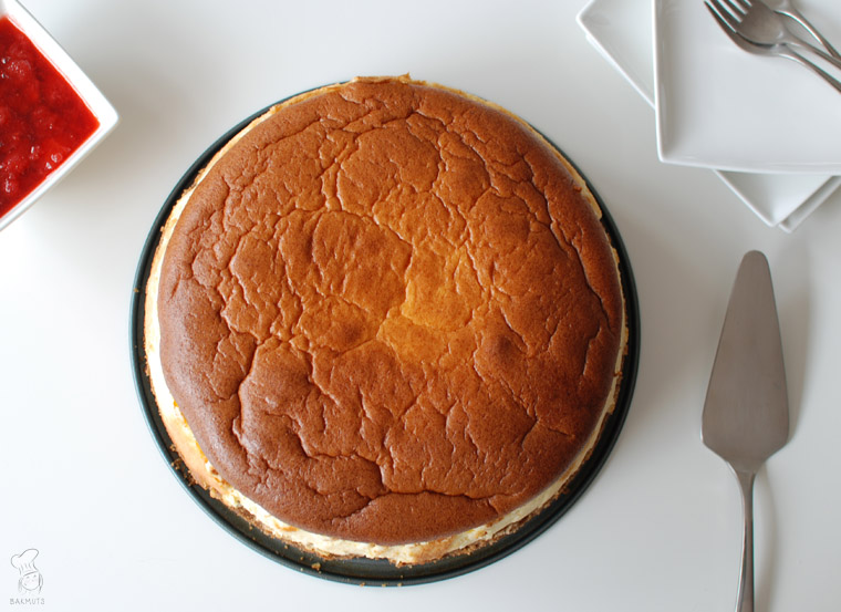 New York cheesecake met aardbeienjam recept bakmuts