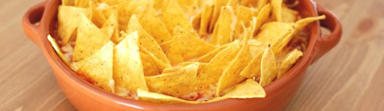 Ovenschotel met nacho's gehakt tomaat en kaas recept bakmuts