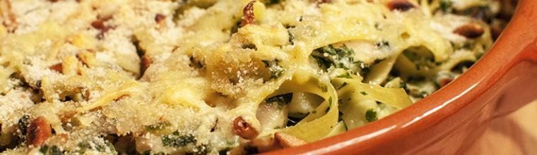 Gegratineerde pasta met kip en spinazie recept bakmuts