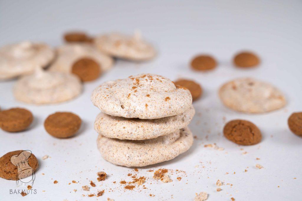 Speculaasschuimpjes met speculaas of kruidnoten recept van Bakmuts
