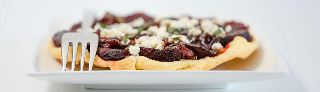 Bieten tarte tatin of bietentaart met feta en rozemarijn recept van Bakmuts