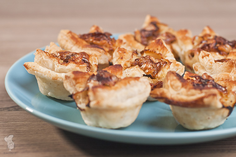 Briehapje met walnoten en appel recept bakmuts
