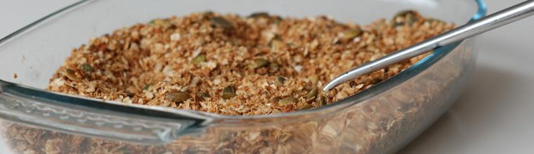 Granola met zaden en pitten recept bakmuts