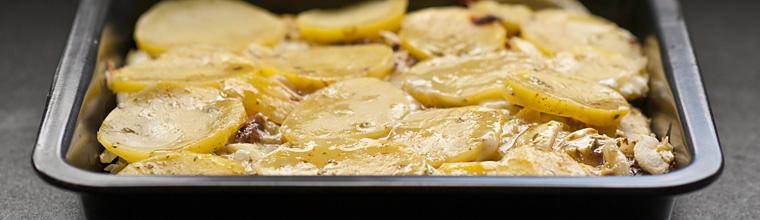 Spaanse tortilla met aardappel en ui recept bakmuts