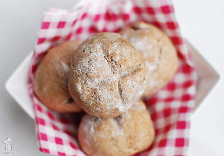 Snelle volkorenbroodjes recept bakmuts