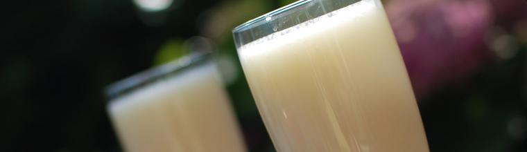 Pina colada smoothie met ananas en kokos recept bakmuts