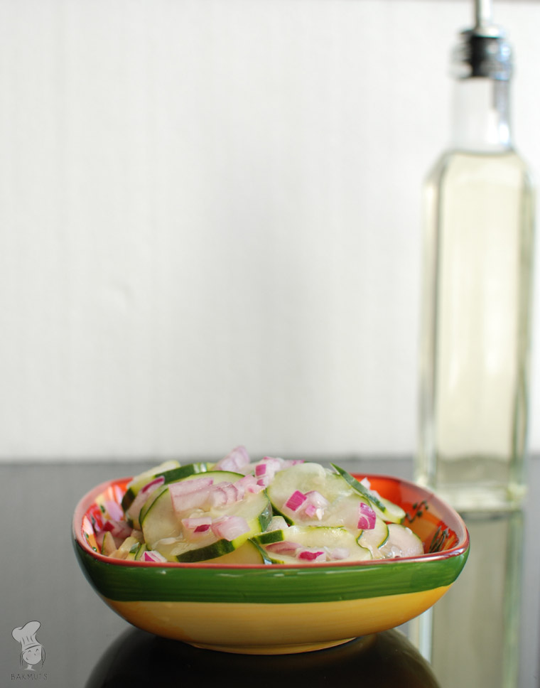 Zoetzure komkommersalade recept bakmuts