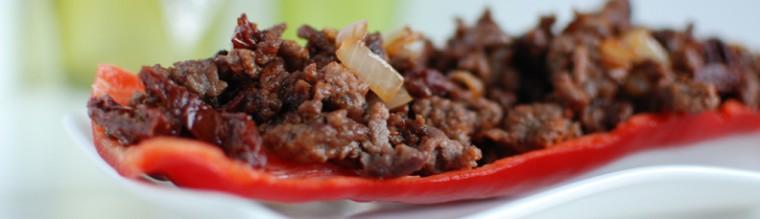 Gevulde puntpaprika met gehakt en pesto recept bakmuts