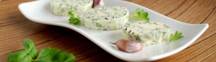Zelfgemaakte kruidenboter met knoflook recept bakmuts
