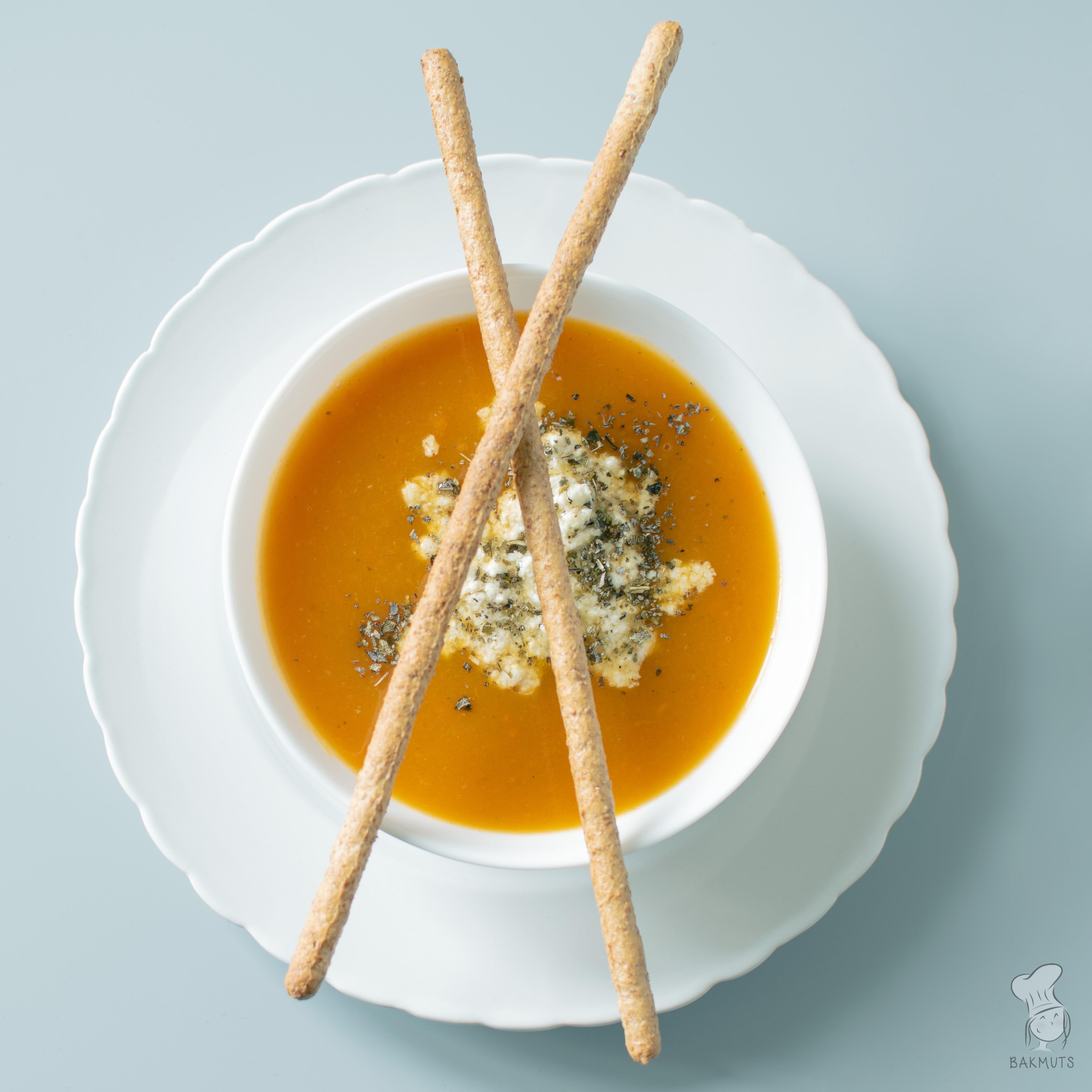 pompoensoep met rode linzen recept bakmuts