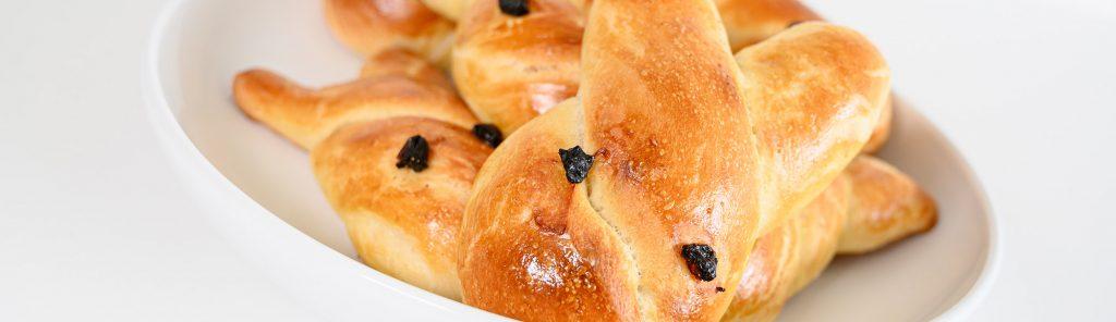Paashaasbroodjes recept van Bakmuts