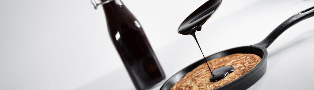 Zelfgemaakte chocoladesiroop van cacao - recept van Bakmuts