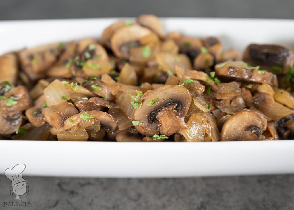 Licht pittige champignons in sojasaus - recept van Bakmuts