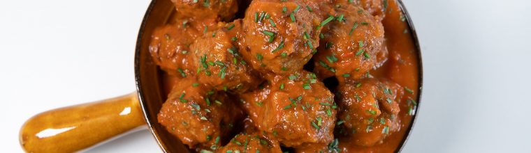 egetarische albondigas - gehaktballetjes in tomatensaus (albondigas)- recept van Bakmuts