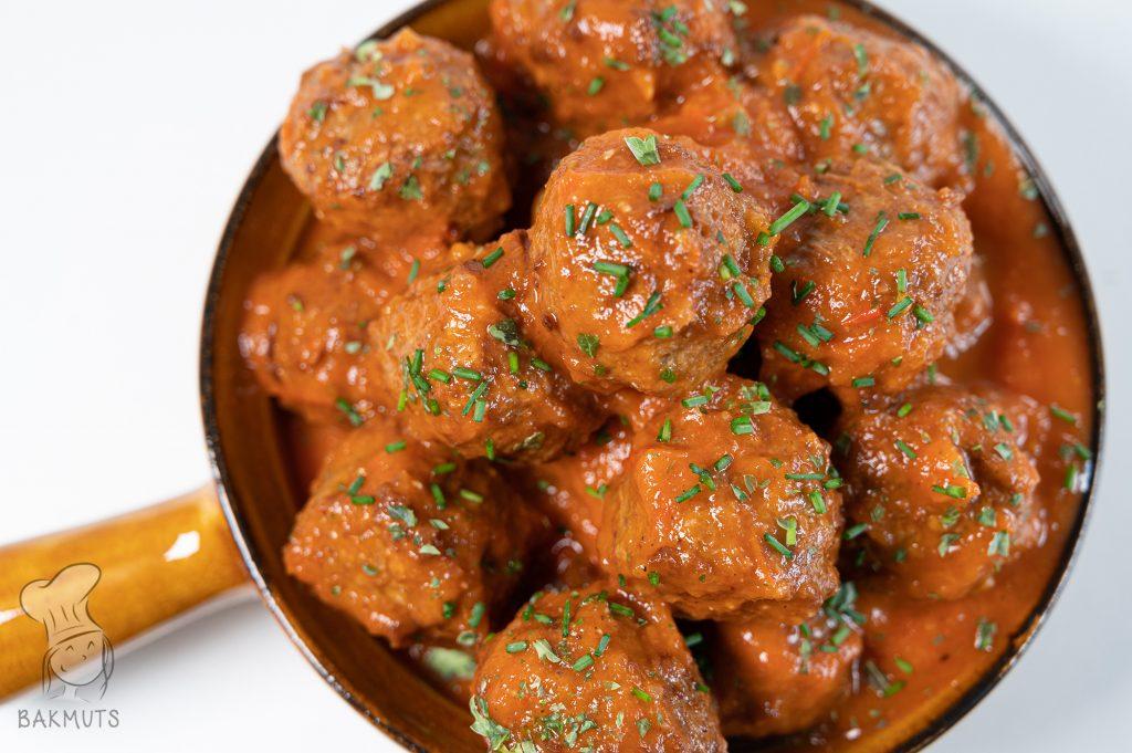Vegetarische albondigas - gehaktballetjes in tomatensaus (albondigas)- recept van Bakmuts